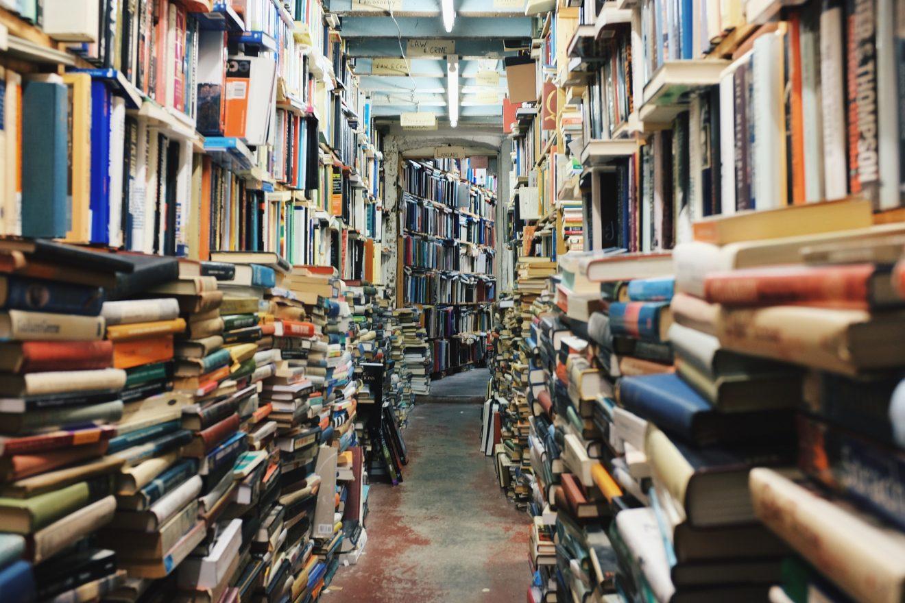 books-768426_1920
